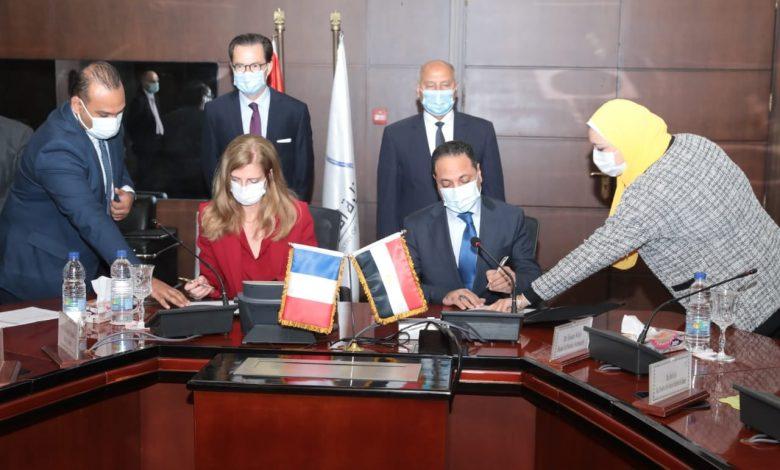 توقيع عقد إدارة وتشغيل وصيانة القطار الكهربائىLRT