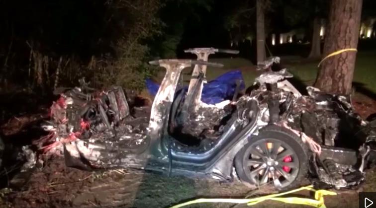 تسلا تؤكد إحدى ميزات القيادة الذاتية كانت نشطة في حادث تكساس