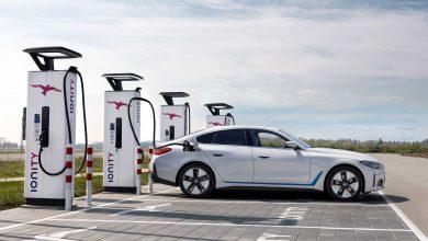 BMW تعتقد أن سياراتها الكهربائية لا تحتاج إلى أكثر من 373 ميلاً من المدى